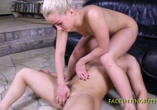 Hot Babe Facesitting And Ballbusting Her Bald Victim